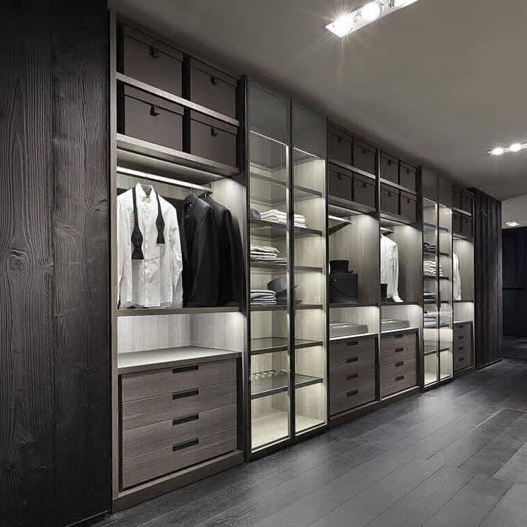 Garderoba na wymiar w Warsawie bez drzwi